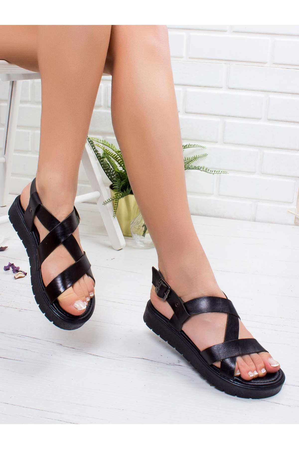 Angela Hakiki Deri Sandalet SIYAH