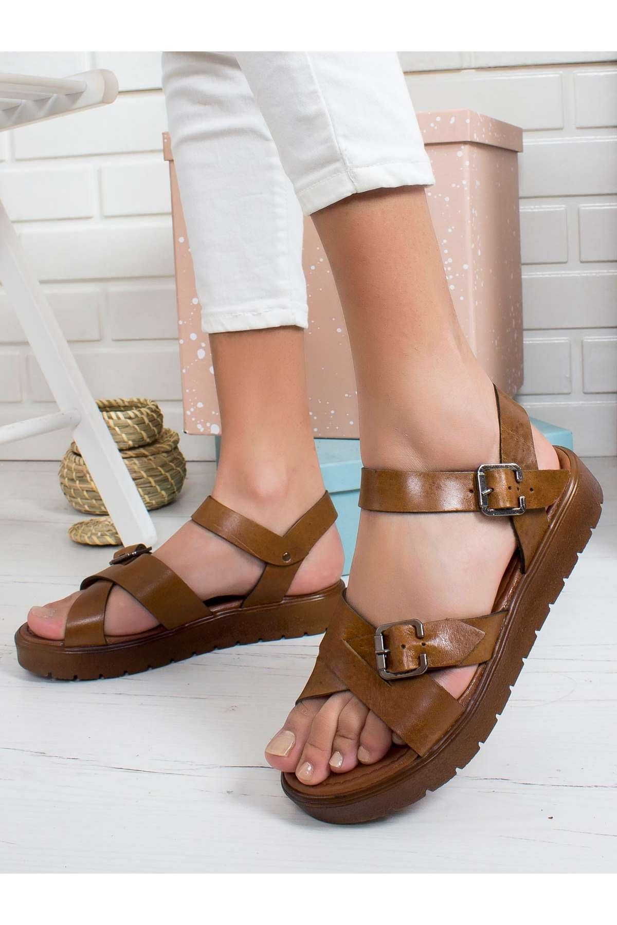Denisa Hakiki Deri Sandalet TABA