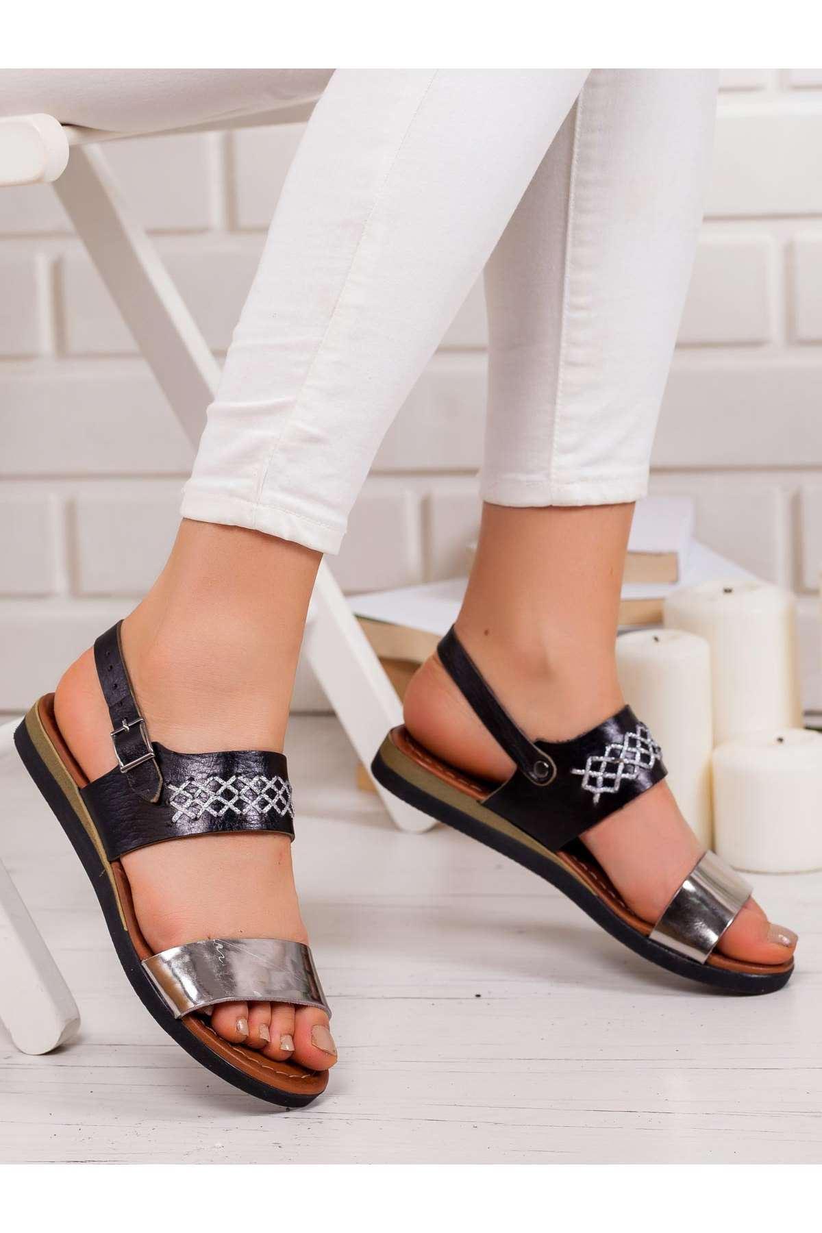 Julie Hakiki Deri Sandalet SIYAH
