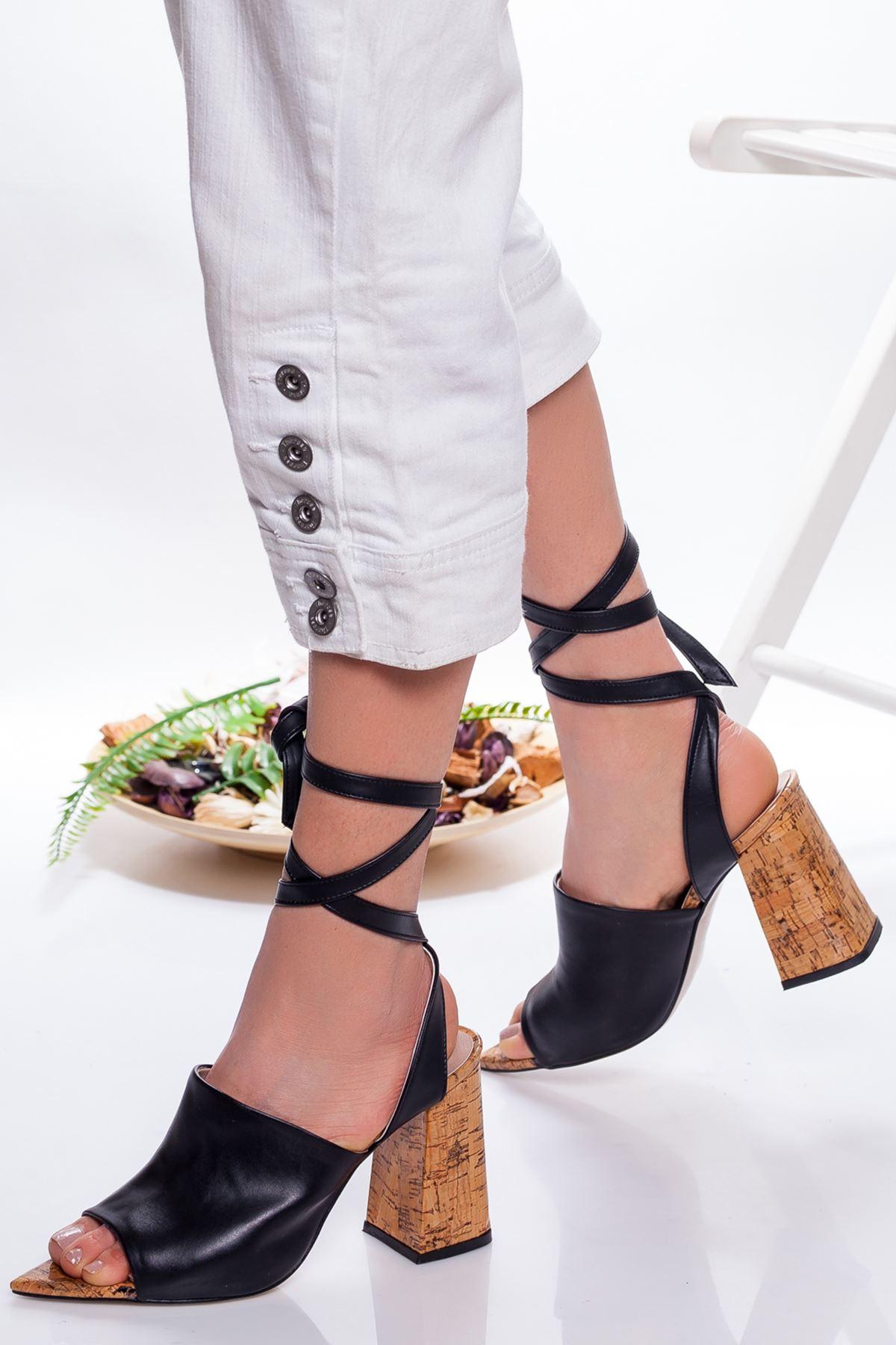 Irıs Topuklu Ayakkabı SIYAH