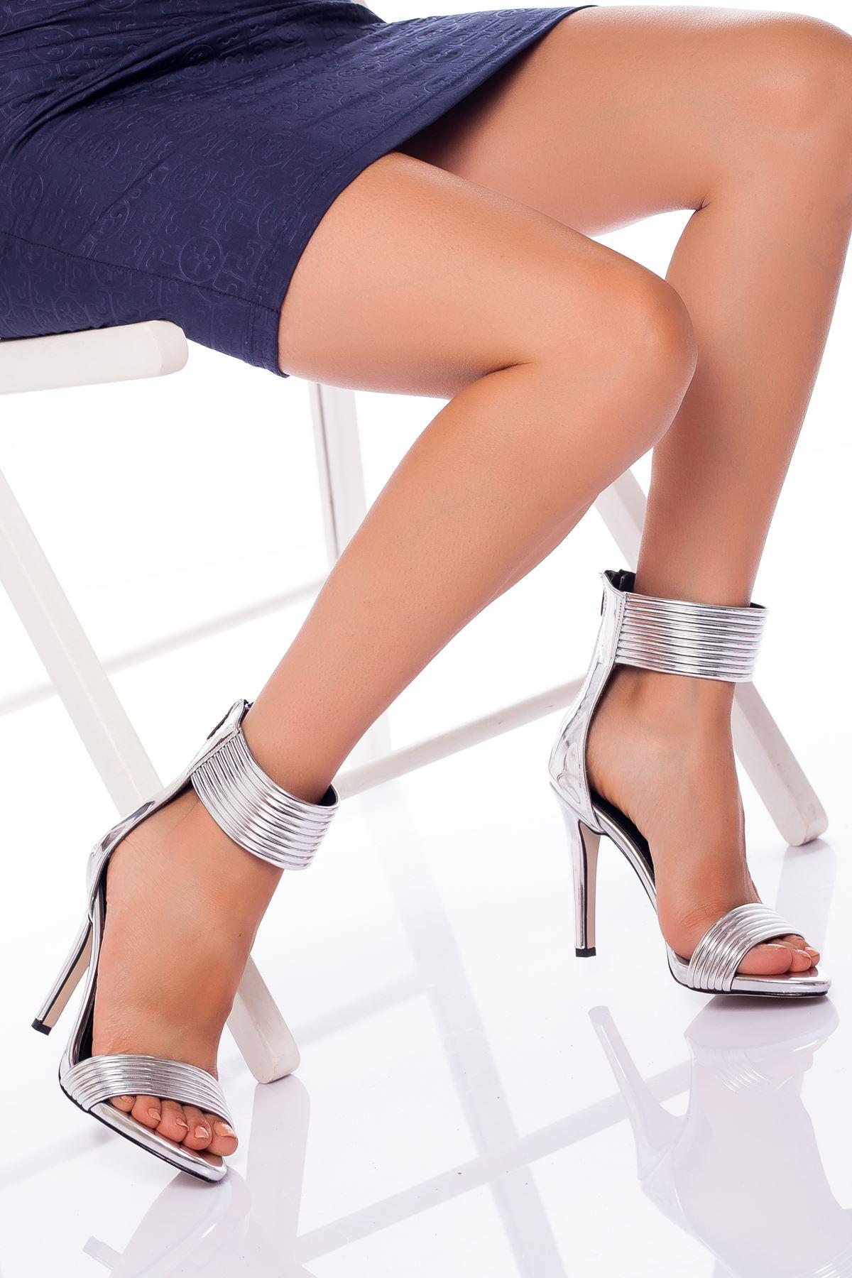 Devon Topuklu Ayakkabı GÜMÜŞ