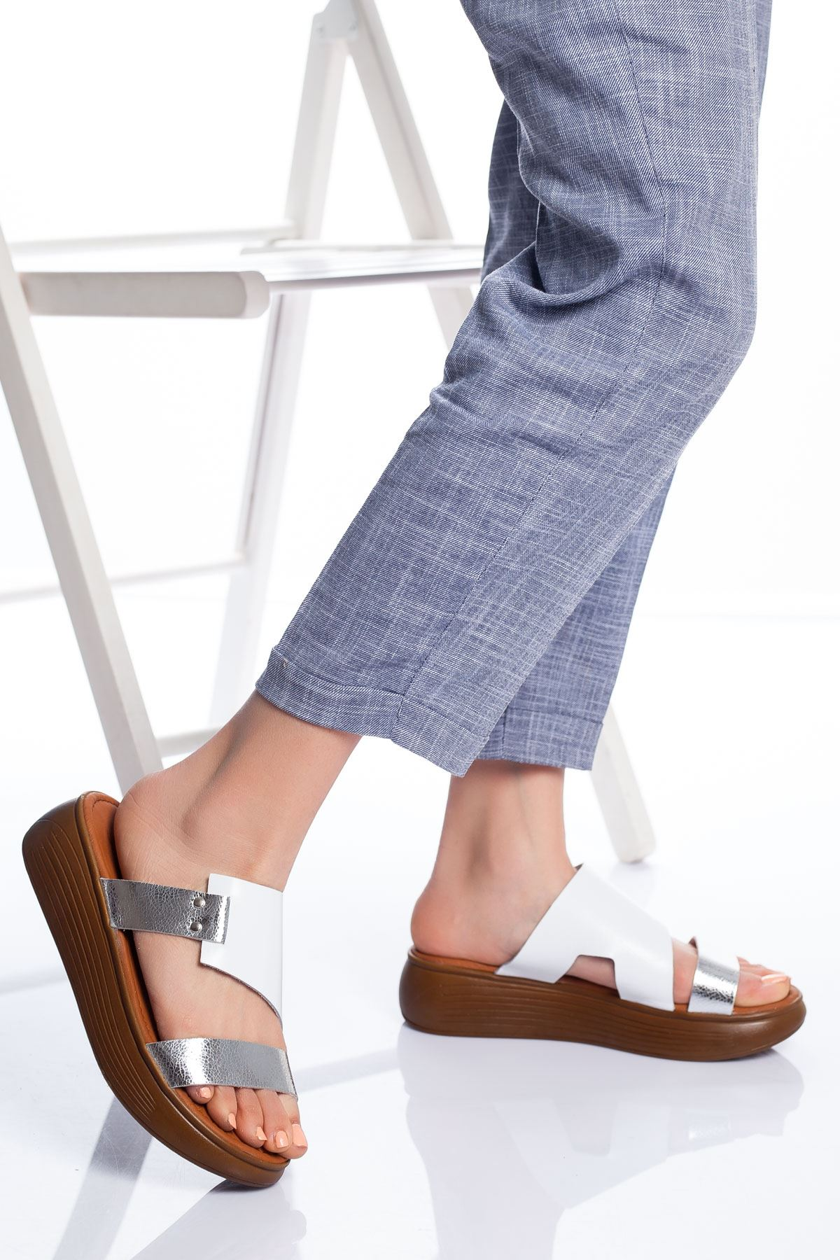 Lori Hakiki Deri Sandalet BEYAZ-PLATİN